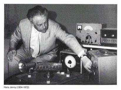 Cimatica e gli esperimenti di Hans Jenny – Le onde sonore creano forme geometriche