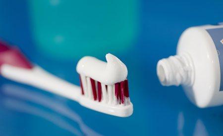 Il fluoro nel dentifricio fa male ? E' pericoloso per la salute? Facciamo chiarezza