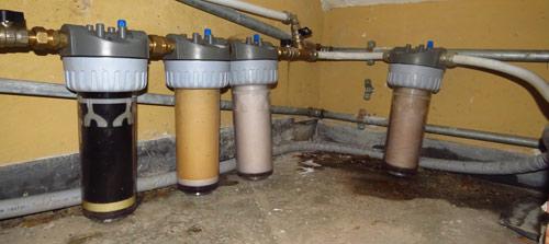 Bere l acqua del rubinetto fa bene oppure no ecco quello - Impianto acqua casa ...